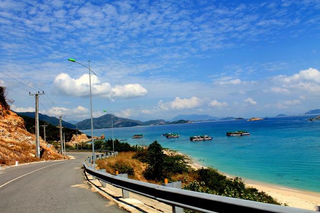 thuê xe du lịch Cam Ranh